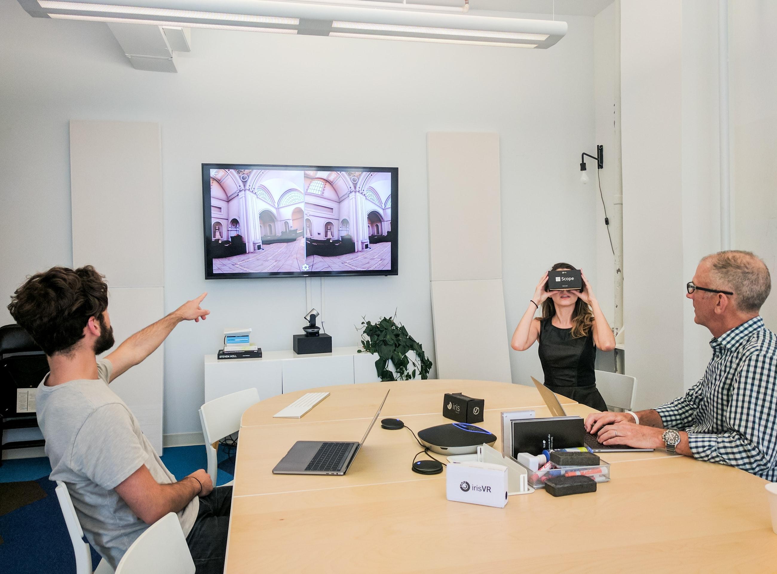 ad43756e756 Screen Mirroring for Presentations Meetings – IrisVR